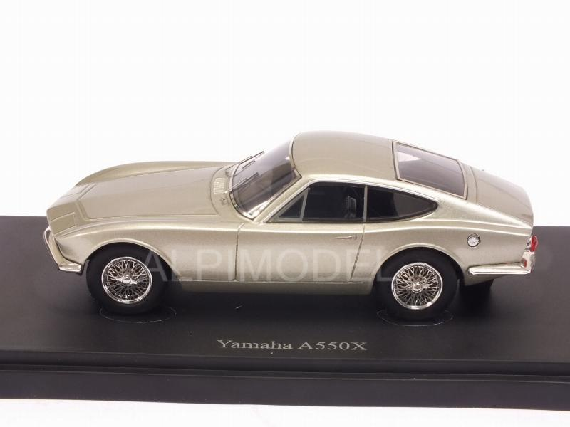 AUTO-CULT 06030 Yamaha A550X 1964 (Silver) 1/43