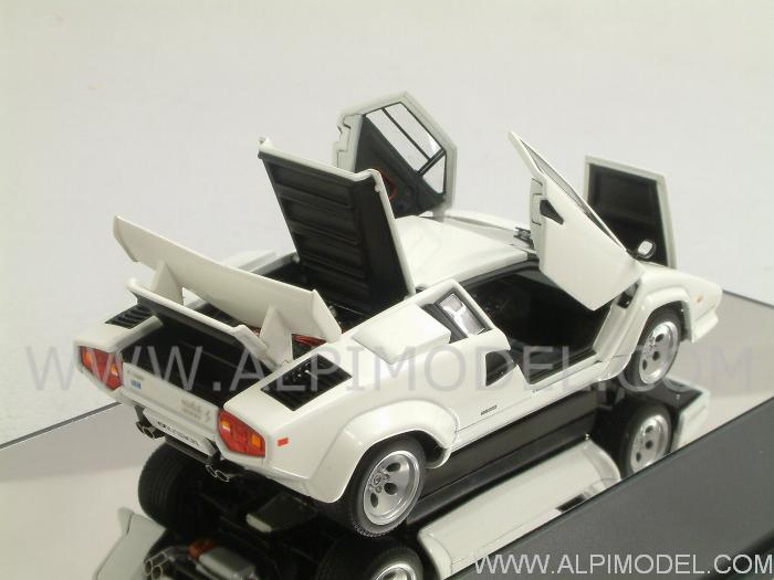 Lamborghini Countach 5000 S (White)  with opening parts - auto-art