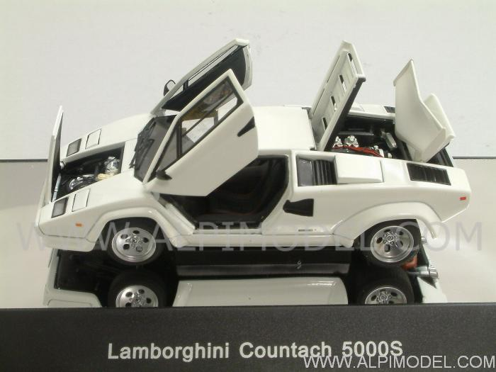 Lamborghini Countach 5000 S (White)  with opening parts by auto-art