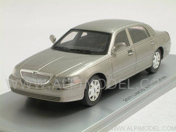 Luxury 101522 Lincoln Town Car 2011 Silver Birch Metallic 1 43