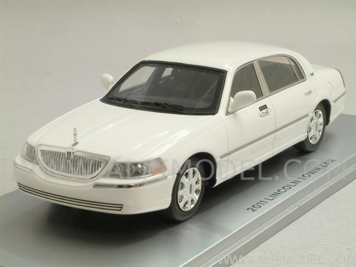 Lincoln Town Car 2011 (Vibrant White) by luxury