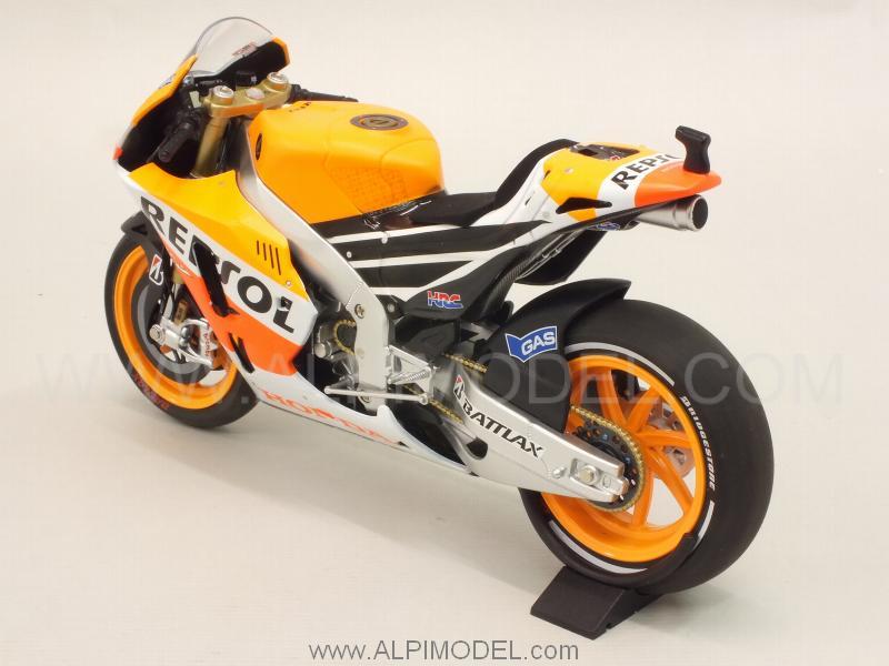minichamps Honda RC213V Repsol Honda Team MotoGP 2013 World Champion Marc Marquez (1/12 scale model)