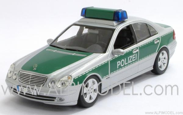 minichamps 400031592 mercedes e class 2004 polizei braunschweig 1 43. Black Bedroom Furniture Sets. Home Design Ideas