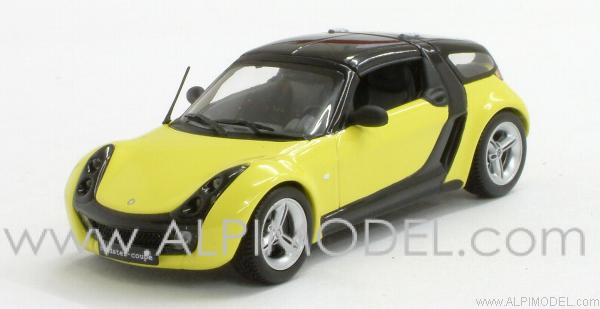 Smart Roadster coupe 2002 (Yellow/Black). by minichamps