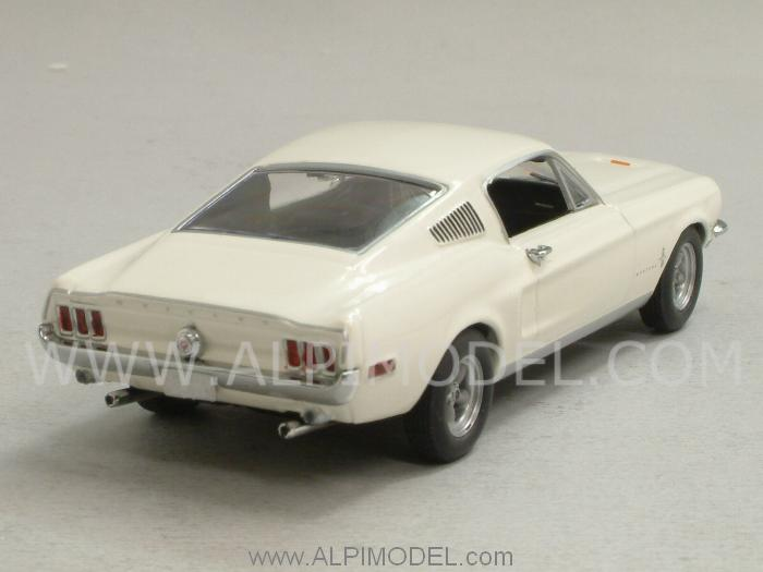 Ford Mustang 2+2 Fastback 1968 (White) - minichamps