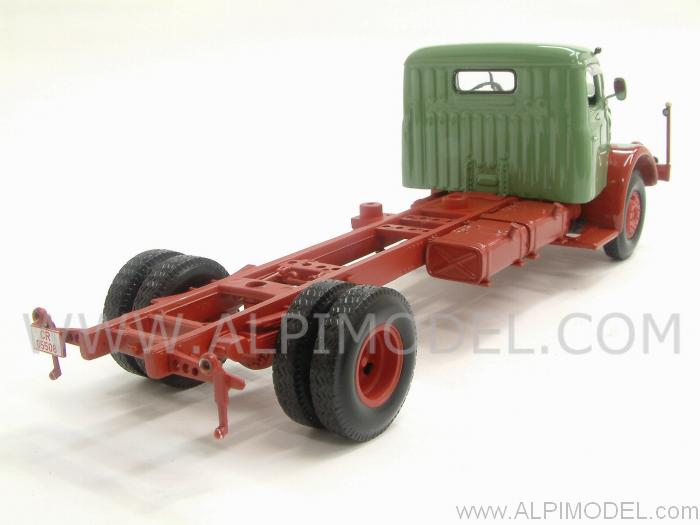 Henschel HS 140 Chassis 1954 (Green&Red) - minichamps