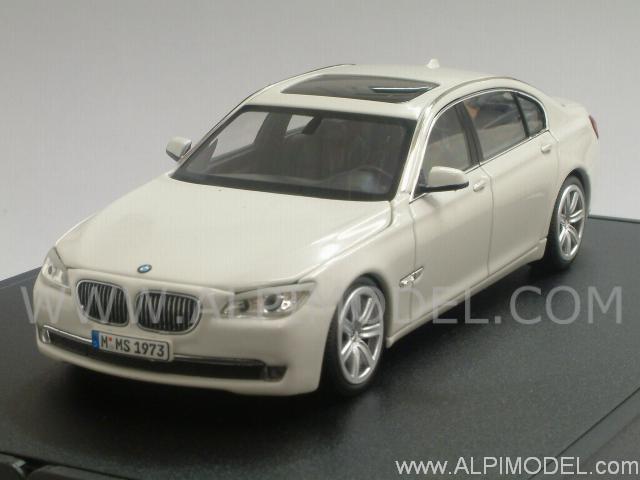 BMW 750Li 2008 White Promo By Minichamps