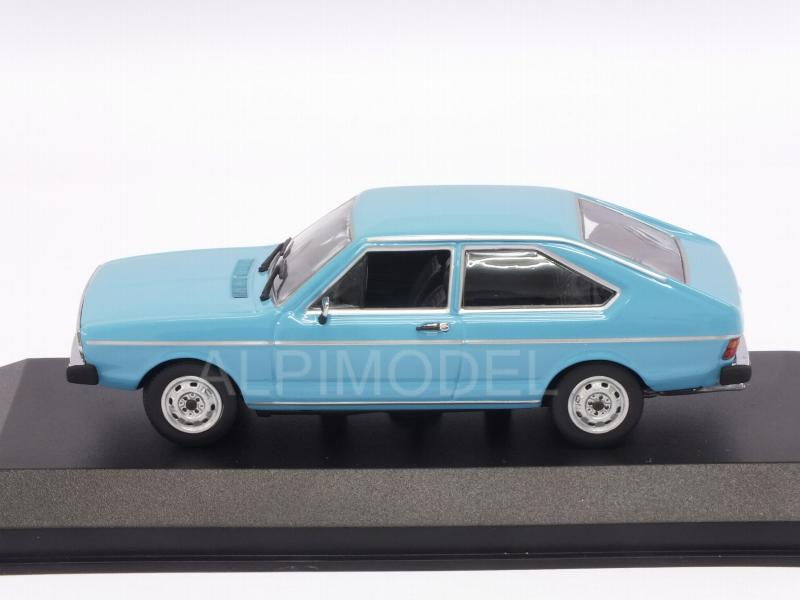 Volkswagen Passat 1975 (Light Blue) 'Maxichamps' Edition - minichamps