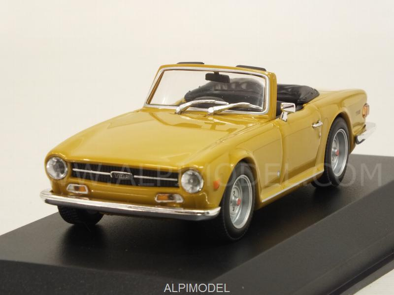 Triumph TR6 1968 (Ochre) 'Maxichamps' Edition by minichamps