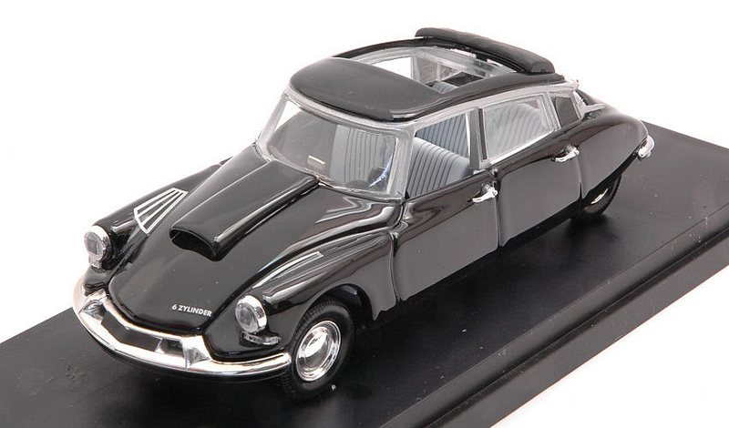 Citroen DS 19 6-Cylinders 1960 by rio