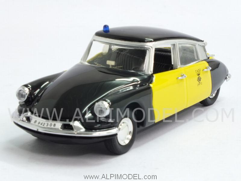 Citroen DS 19 Taxi Barcelona 1969 by rio