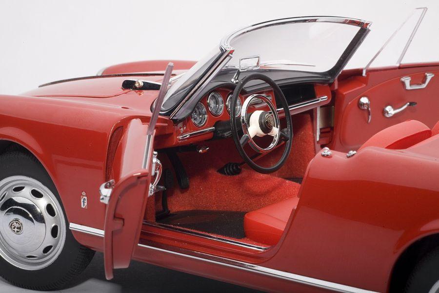 Auto Art Alfa Romeo Giulietta Spider 1957 Red 1 18