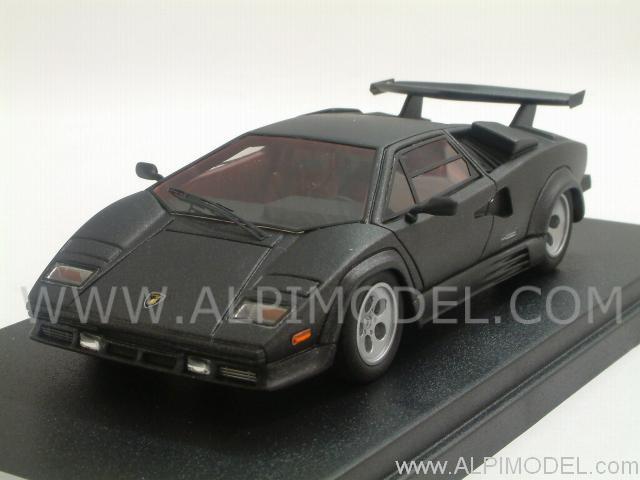 Matte Black Lamborghini Countach
