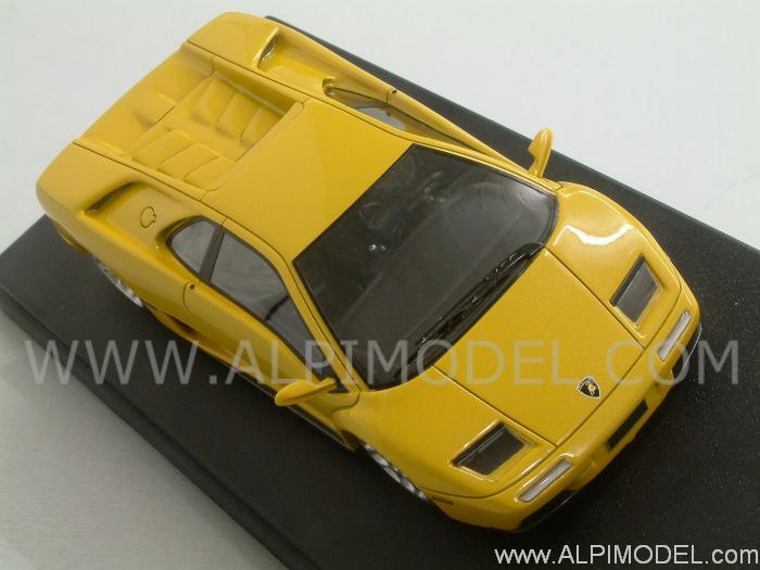 Looksmart Lamborghini Diablo 6 0 2001 Metallic Yellow 1 43 Scale Model