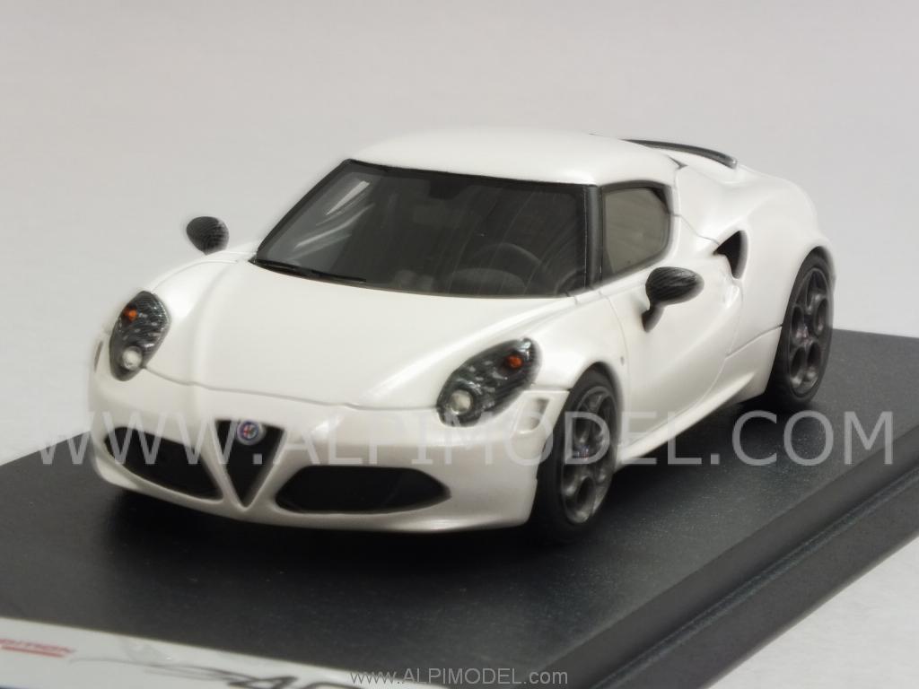 Alfa Romeo 4C Geneva Motorshow 2013 (Matt Pearl White) by LOOKSMART.