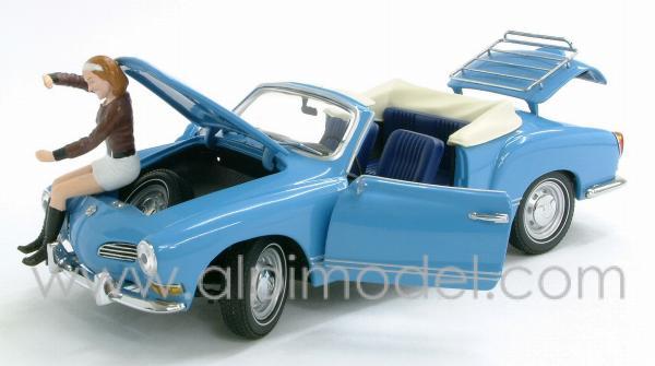 minichamps Volkswagen Karmann Ghia Cabriolet 1970 Blue (with figure) (1/24 scale model)
