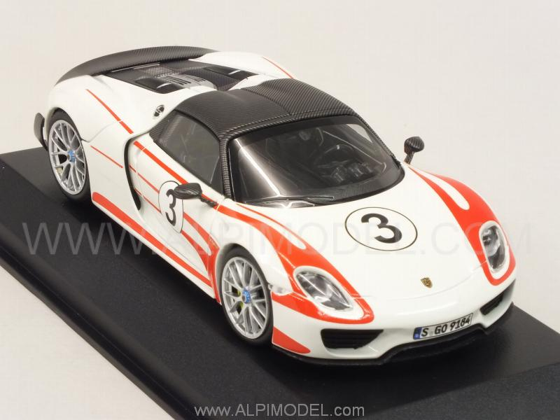 minichamps porsche 918 spyder weissach package 2015 salzburg racing design 1. Black Bedroom Furniture Sets. Home Design Ideas