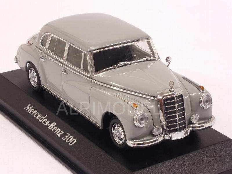 Maxichamps// Minichamps Grau Mercedes-Benz 300 1:43