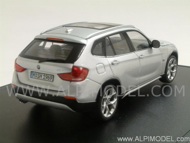 Schuco Bmw X1 2010 Silver 1 43 Scale Model