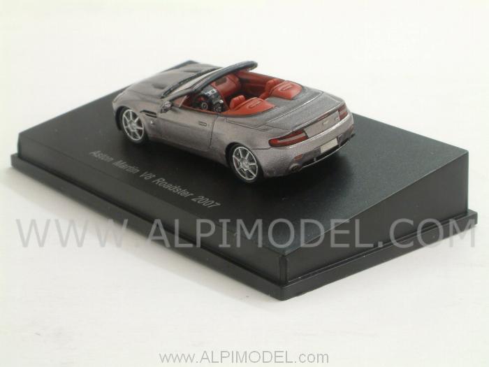 Spark Model Aston Martin V8 Spyder 2007 Silver H0 1 87