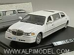Lincoln Town Car Limousine 2000 (White) by VITESSE